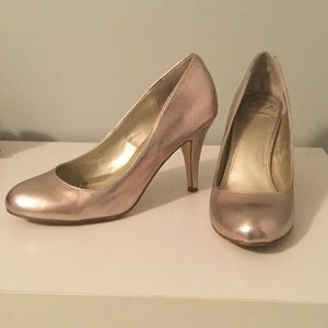 Fergalicious Rose Gold Pumps size 8